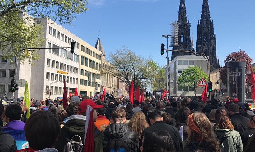 KA: Massenhafte Störaktionen gegen den Parteitag der AfD am 22.4.