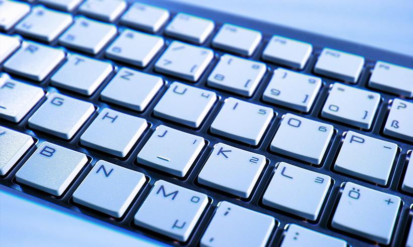 """JournalistInnen fordern Kennzeichnung von """"Roboter-Texten"""""""