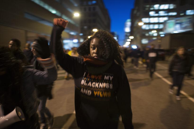 Polizist erschießt jungen Schwarzen, wird freigesprochen – Festnahmen auf Protesten