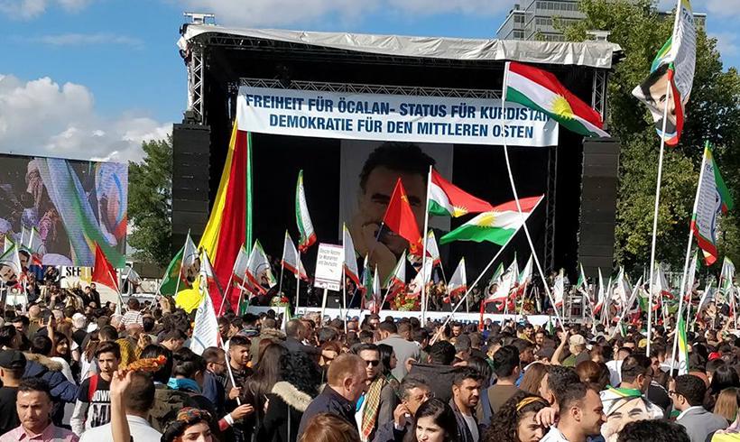 "Innenministerium will Öcalan-Bilder ""grundsätzlich"" verbieten."