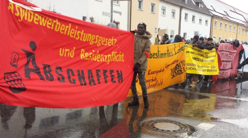 Lautstarke Demonstration gegen