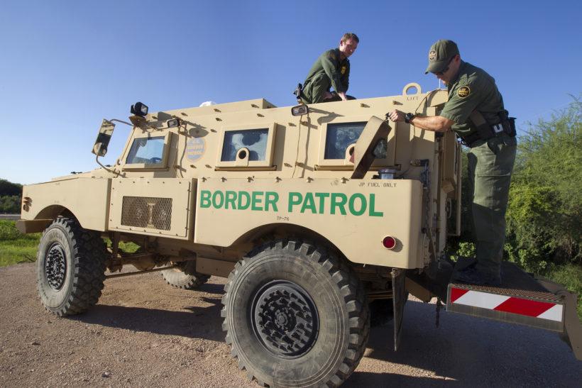 US Border Patrol (USBP) reißt Kinder an mexikanischer Grenze aus ihren Familien