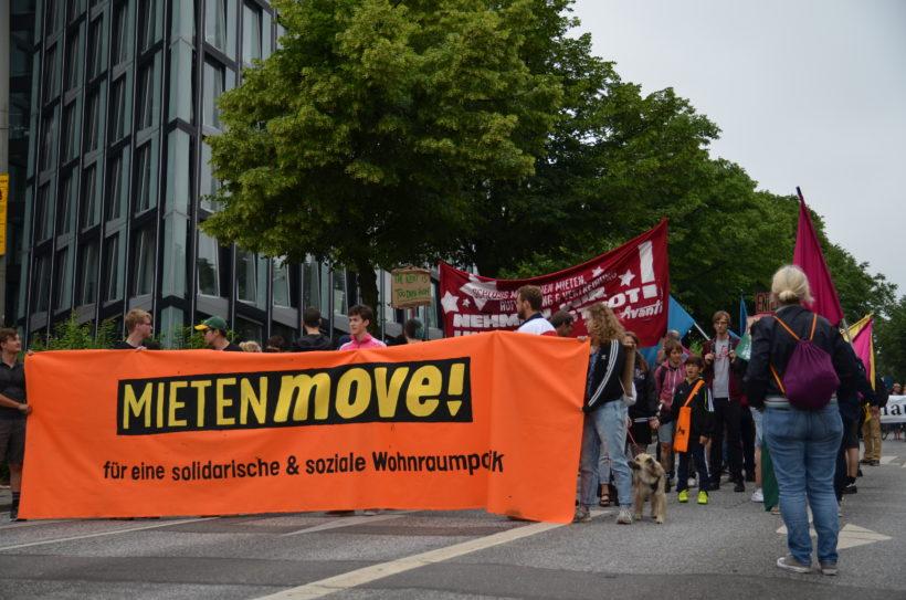 8.000 Menschen demonstrieren für eine solidarische und soziale Wohnraumpolitik in Hamburg