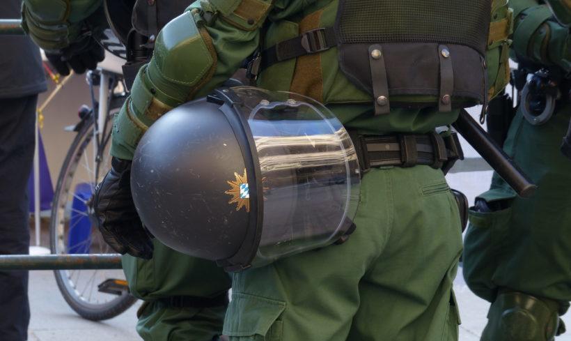 17 linke Aktivisten nach bayrischen Polizeigesetz