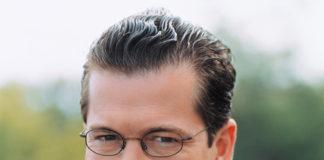 Von Autor unbekannt - Bundestagsbüro Karl-Theodor Freiherr von und zu Guttenberg MdB, CC BY 2.0 de, https://commons.wikimedia.org/w/index.php?curid=1324760